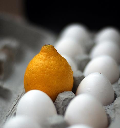 cytryna i jajka są bardzo dobre na zachowanie zdrowych włosów