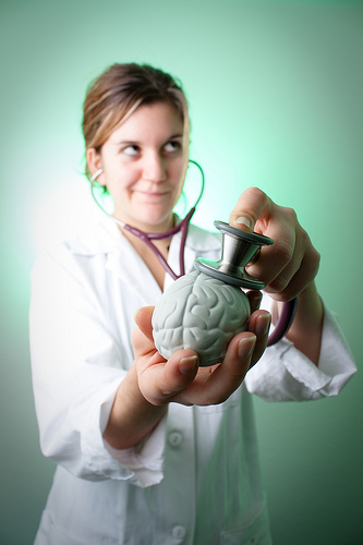Lekarz to osoba, która przeprowadzi badania mykologiczne