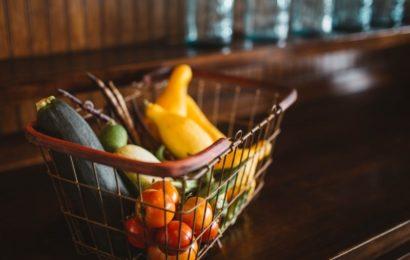 koszyk z warzywami