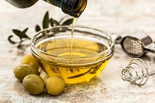 oliwa z oliwek na porost włosów
