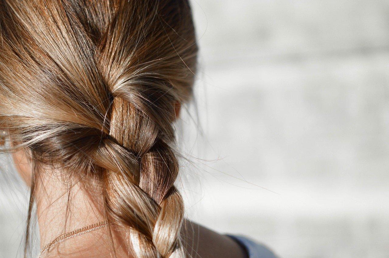 Wypadanie włosów - naturalne sposoby